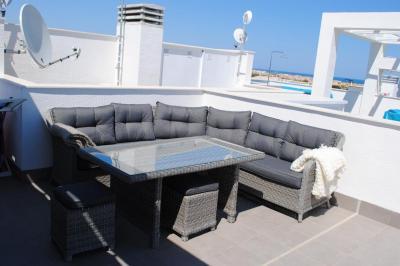 Top floor apartment in Oasis Beach Punta Prima 7 Nº 018 in España Casas