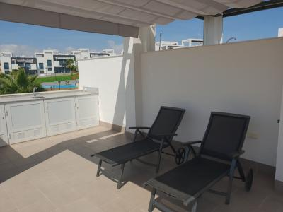 Top floor apartment in Oasis Beach Punta Prima 8 Nº 050 in España Casas