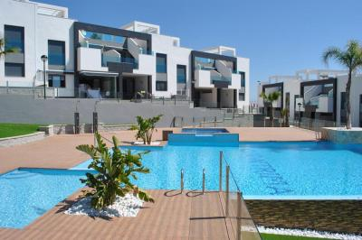 Ground floor apartment in Oasis Beach Punta Prima 8 Nº 035 on España Casas